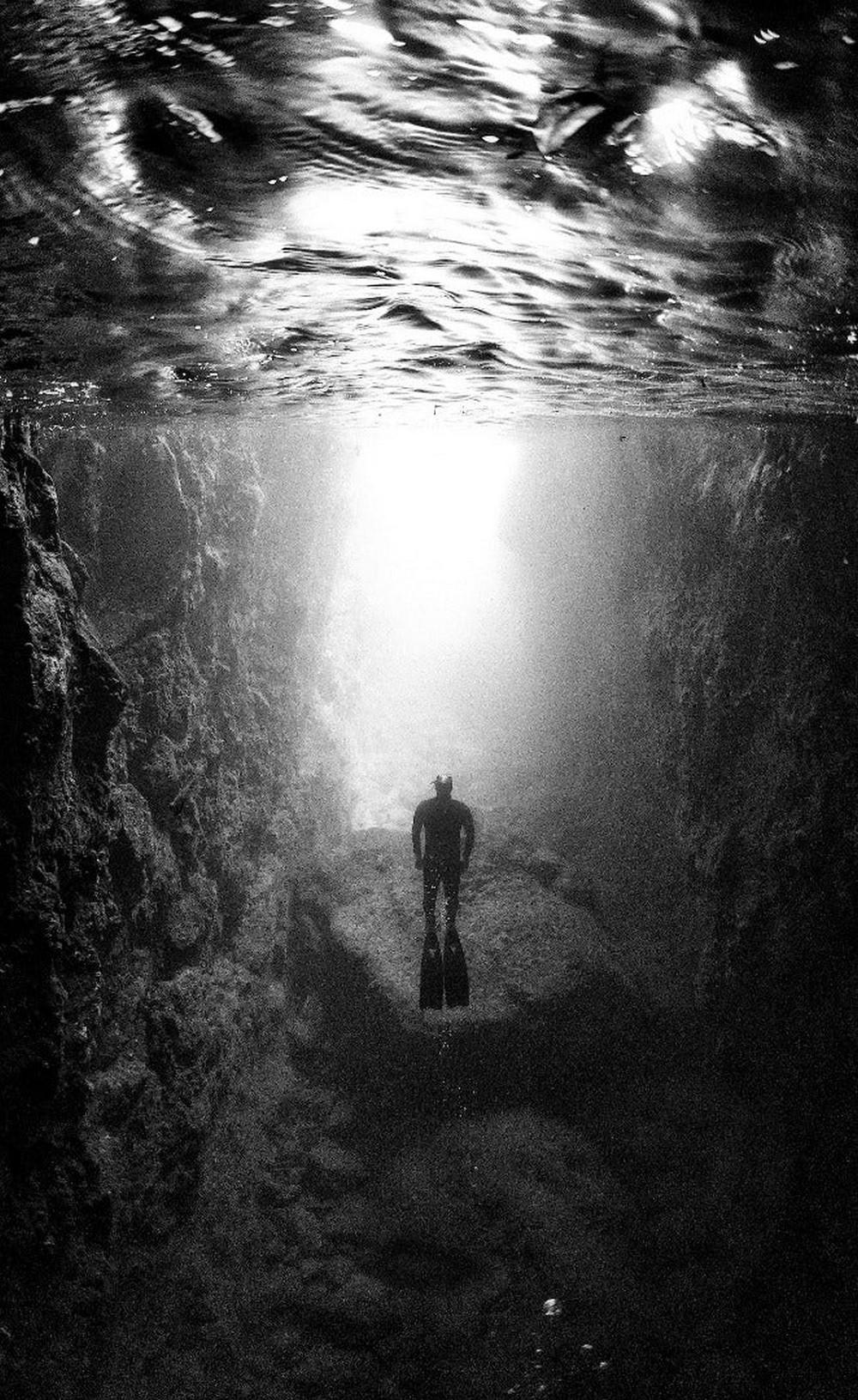 Mergulhando em direção à luz