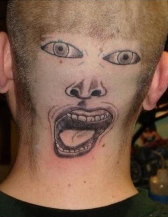 Tatuagem horrorosa