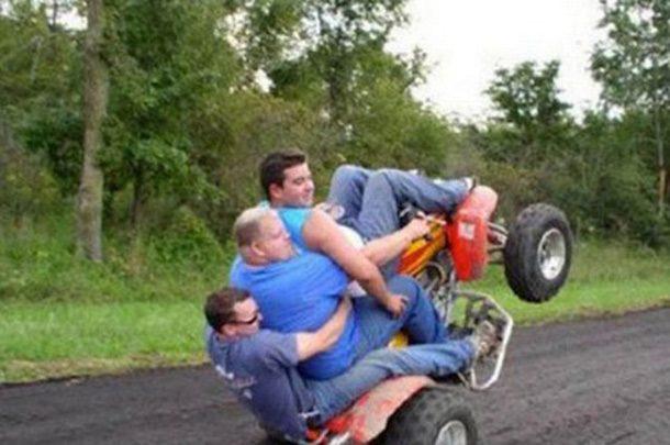 Caindo do quadriciclo