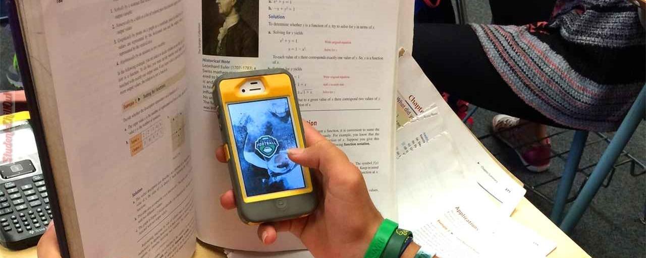 Uso de celulares e tablets nas escolas vai ser proibido na França