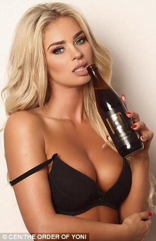 Modelo com cerveja