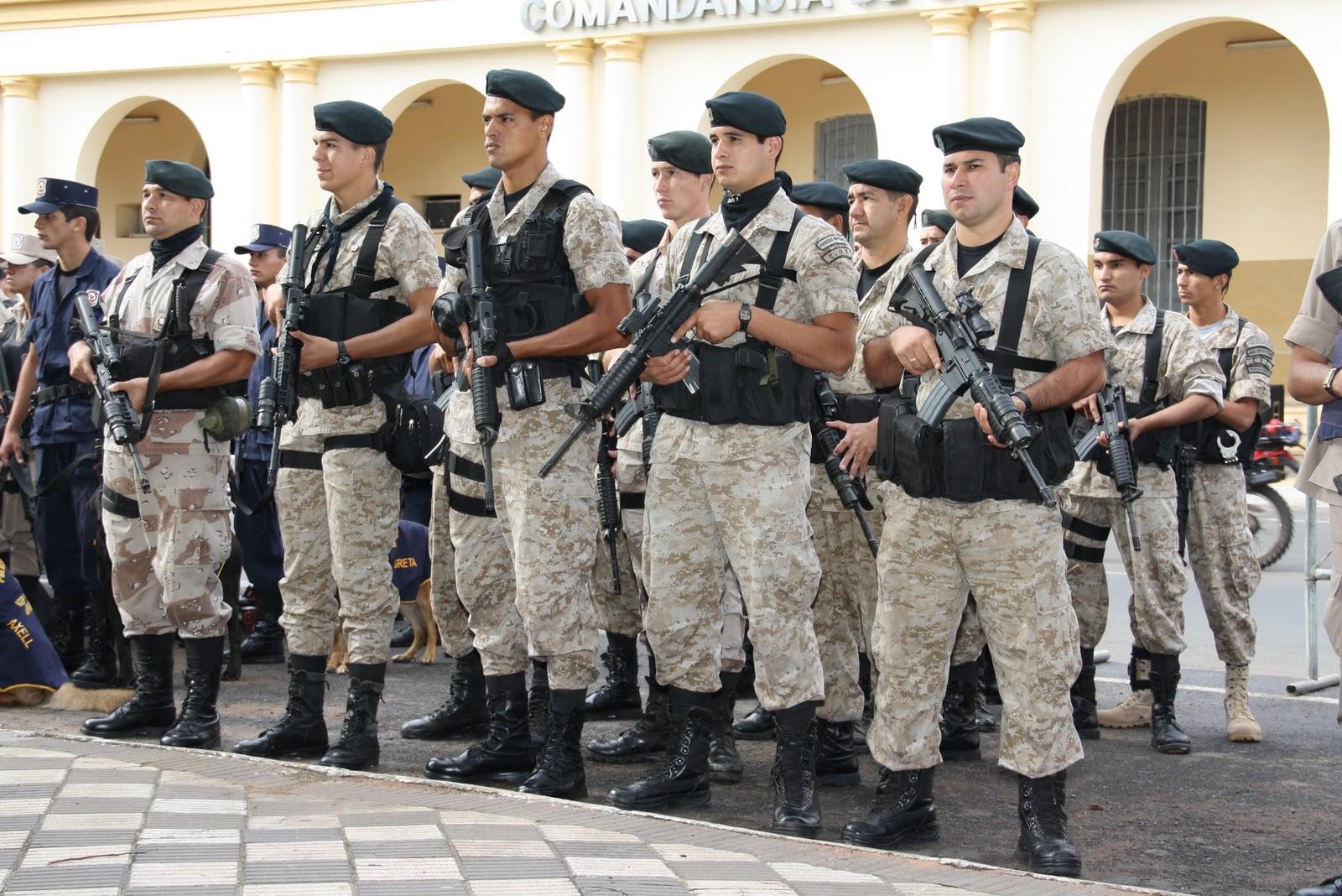 Polícia paraguaia tem seus rifles substituídos por armas de brinquedo e6254f0b01