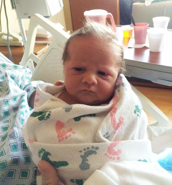 bebês com cara de adultos