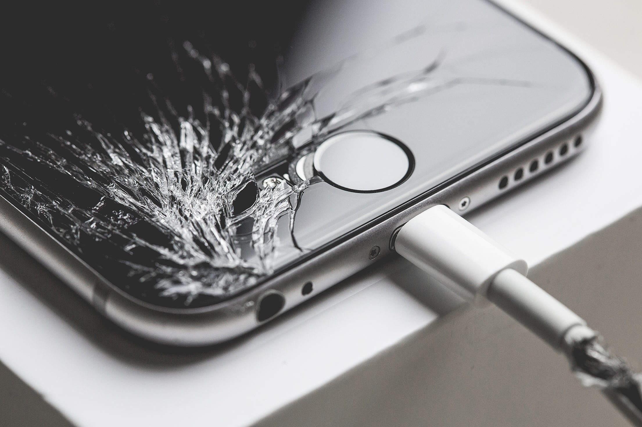 """d44ae36a9a0 """"Uber das assistências técnicas"""" vai até o cliente e conserta iPhones em 1h  - TecMundo"""