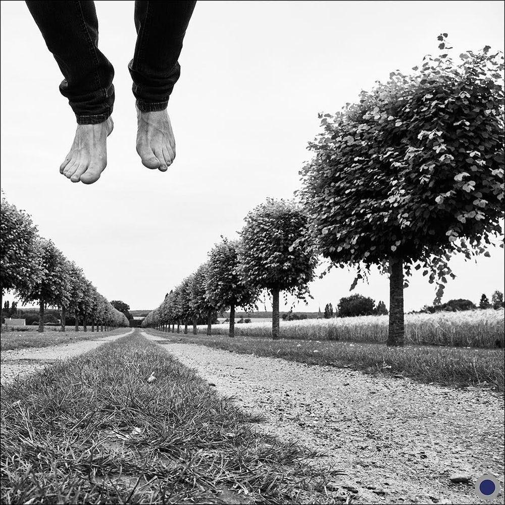 Homem saltando