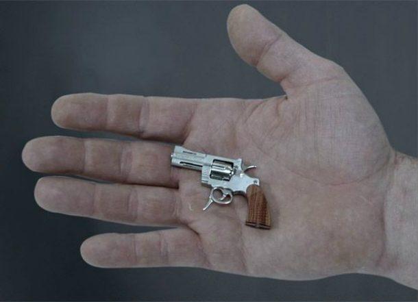 Revolver miniatura