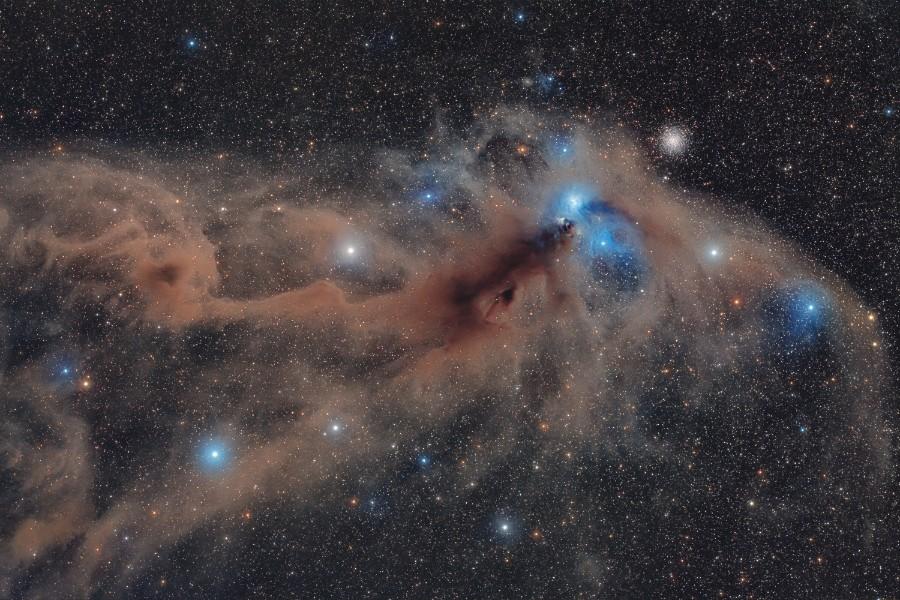 Estrelas e nebulosa