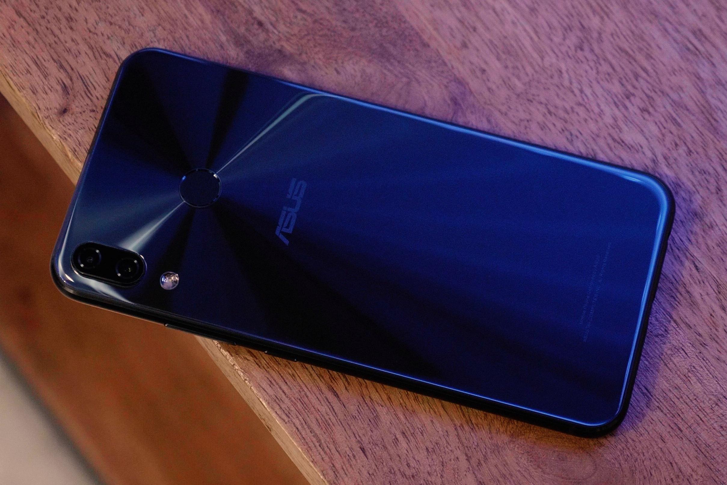 77ffb300813b3 Vaza suposto ZenFone 6 (2019) da Asus com notch pequeno e descentralizado
