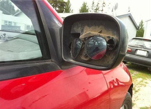 Óculos no lugar de retrovisor