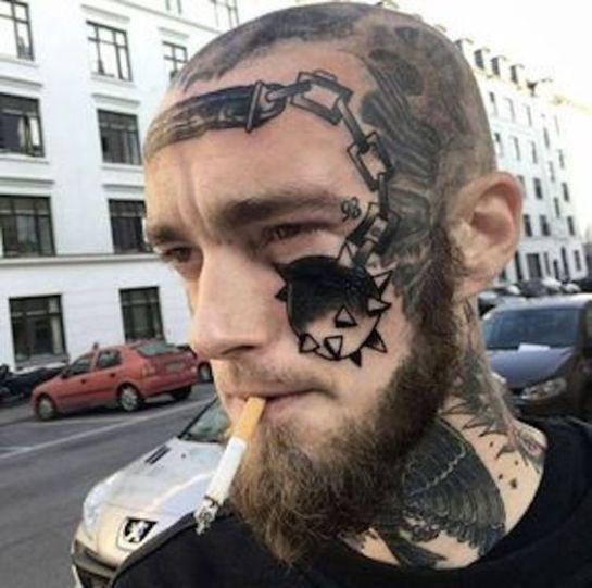 Homem assustador