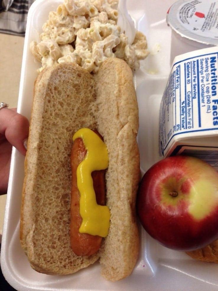 Hot dog com meia salsicha
