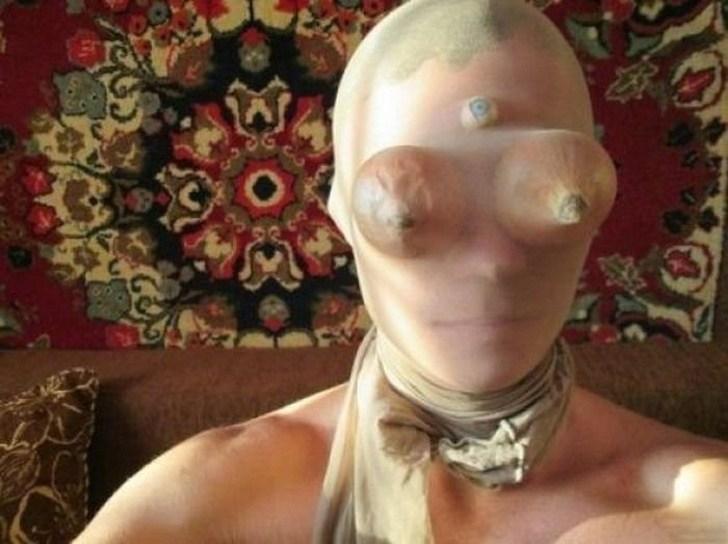 Máscara sinistra