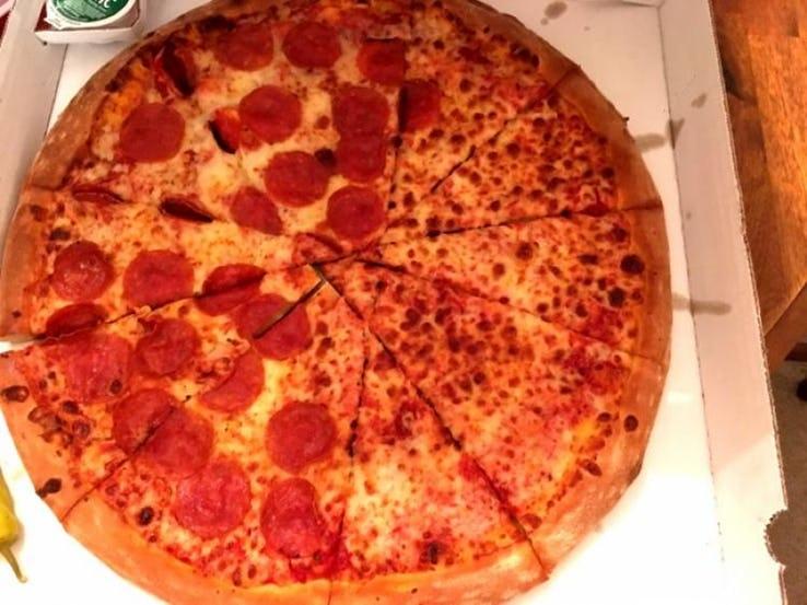 Pizza cortada do jeito errado