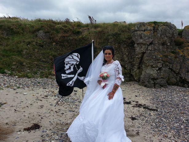 Mulher vestida de noiva