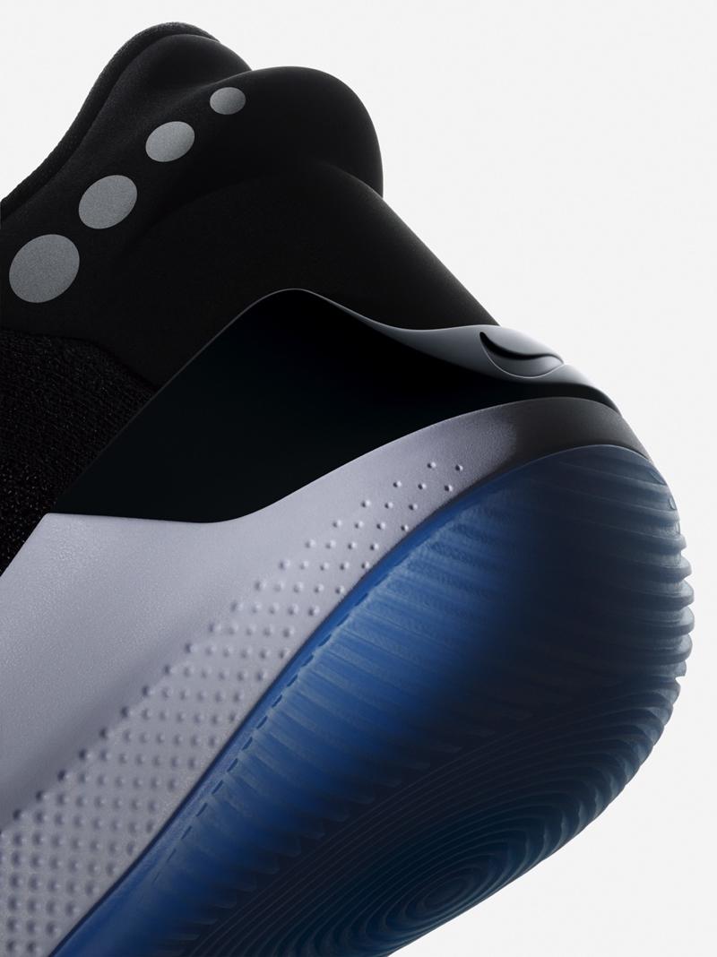 24c1cb8ac31 Novos tênis da Nike têm ajuste automático com uso de app em smartphone