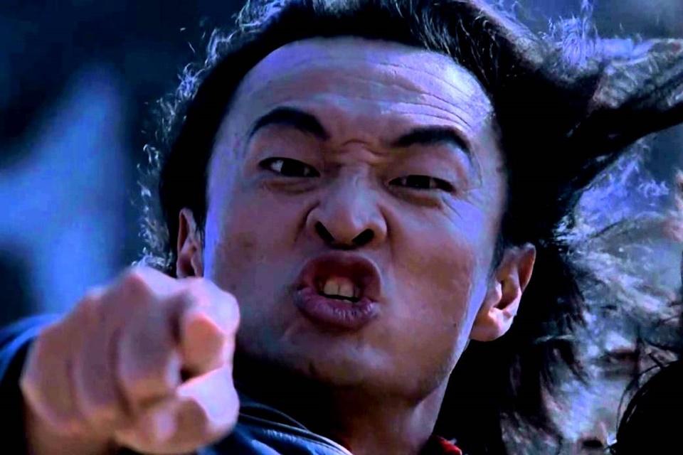 Cary-Hiroyuki Tagawa em cena de Mortal Kombat, o filme (1995)