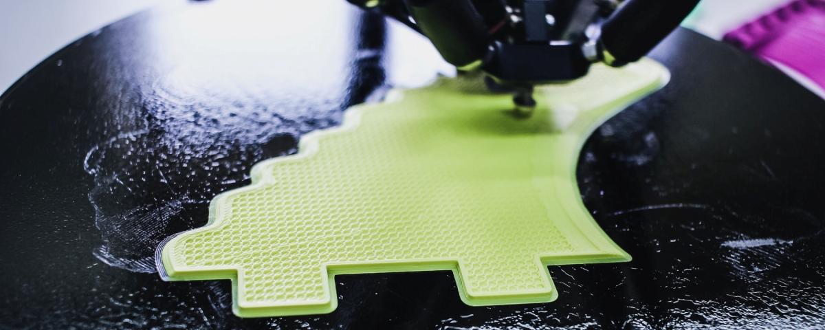 Imagem de: Cientistas usam luz ultravioleta para imprimir em 3D com dois materiais