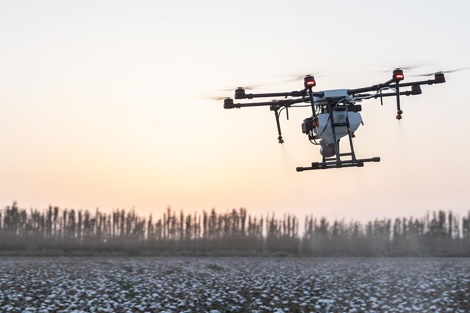 Drones chineses podem estar vazando dados, alerta departamento dos EUA