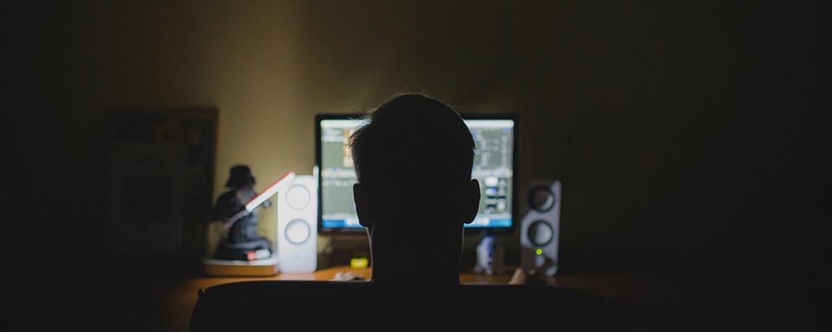 Imagem de: Google e Facebook rastreiam acessos a sites pornográficos, diz estudo