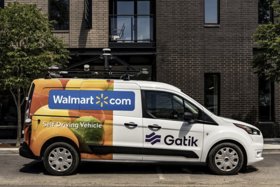 Walmart aposta em vans autônomas para transportar mercadorias nos EUA