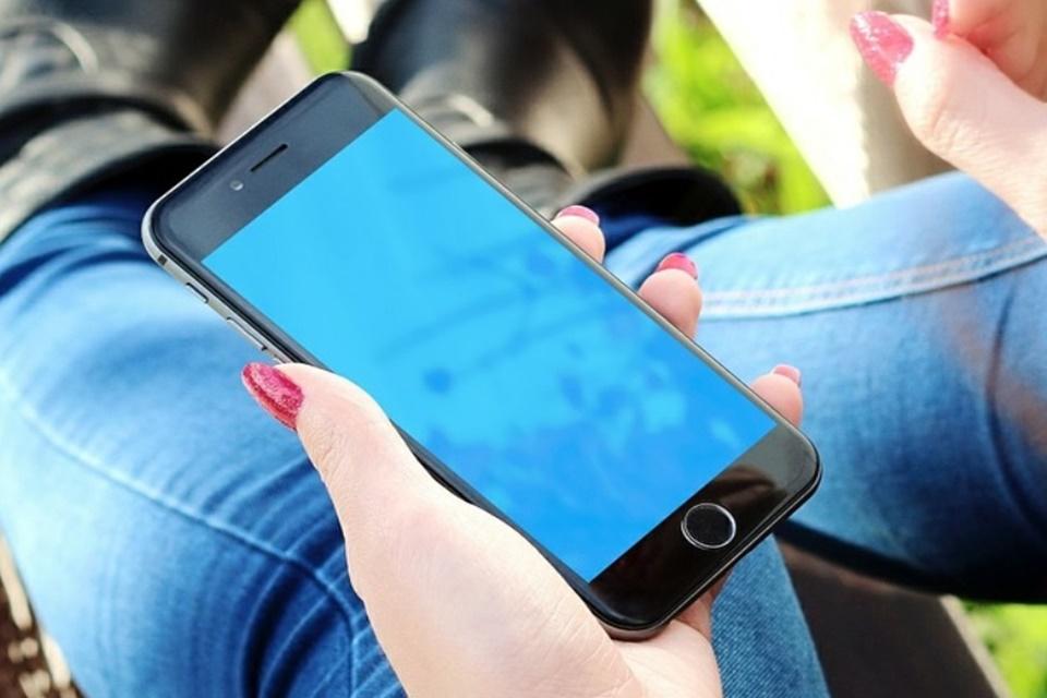 Apple recebe processo coletivo por reduzir desempenho de iPhones antigos