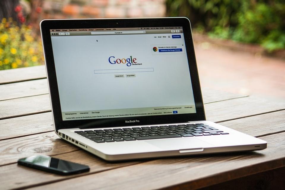 Google é acusada de desrespeitar lei de proteção de dados na UE