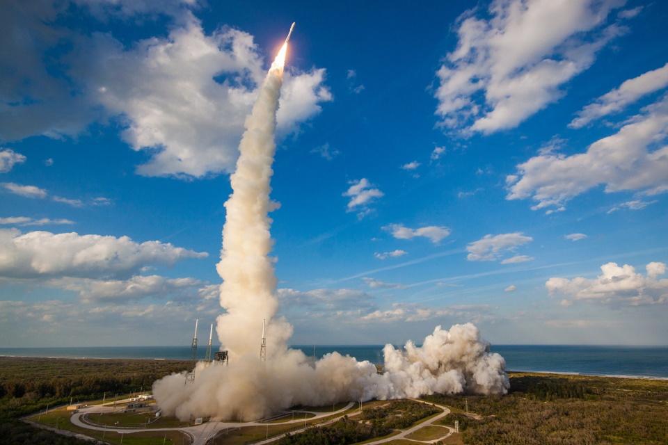 Tesseract lança sistema propulsão para foguetes mais seguro e eficaz