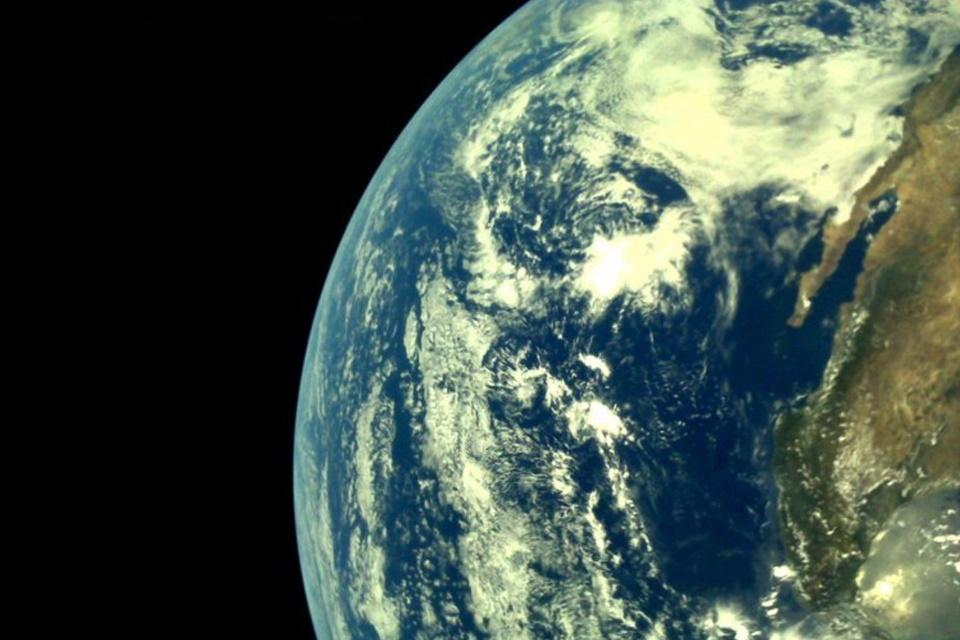 Sonda espacial indiana registra imagens deslumbrantes da Terra