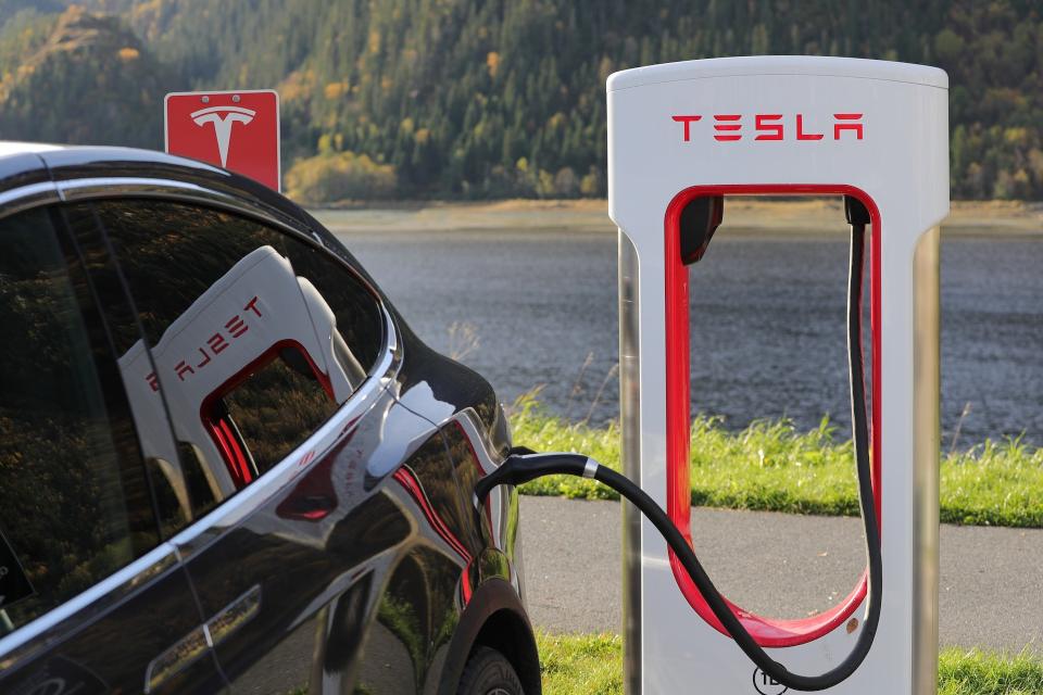 Elon Musk diz que sistema com lasers não é confiável para carros autônomos