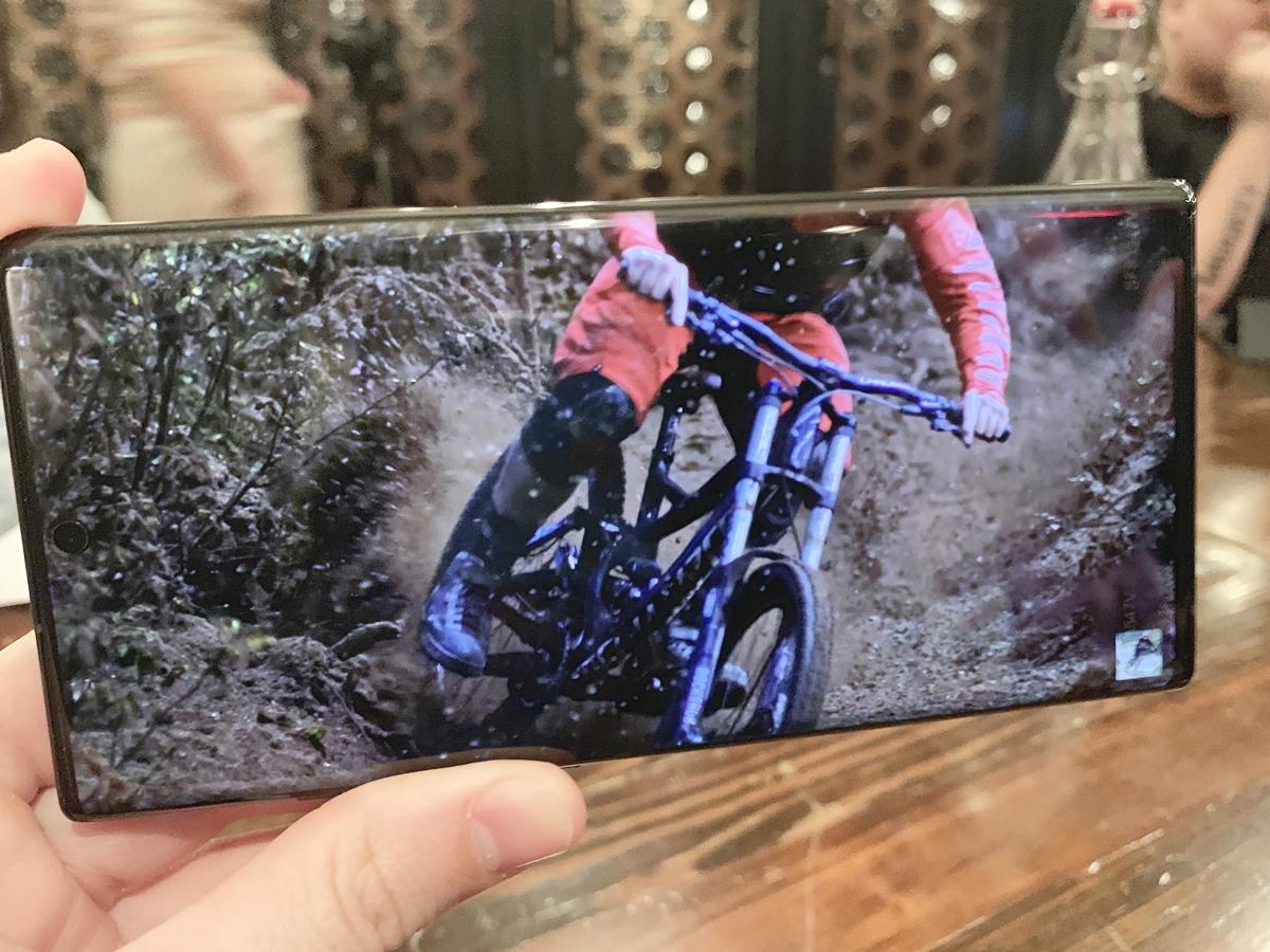 Samsung Galaxy Note 10+ screen