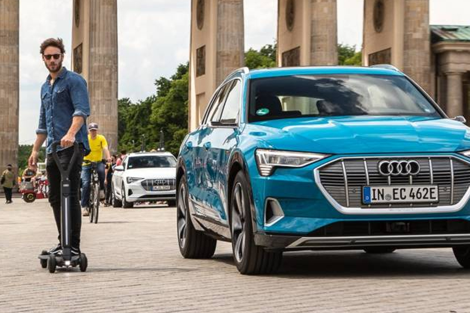 Audi anuncia o patinete elétrico E-tron