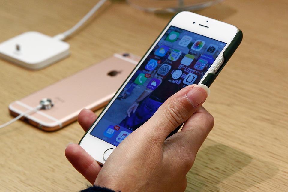 Apple vende 17% menos iPhones na Europa, mas fica na frente da Xiaomi