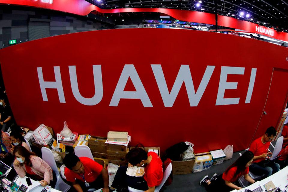Huawei pretende triplicar equipe de pesquisa na Rússia, diz mídia do país