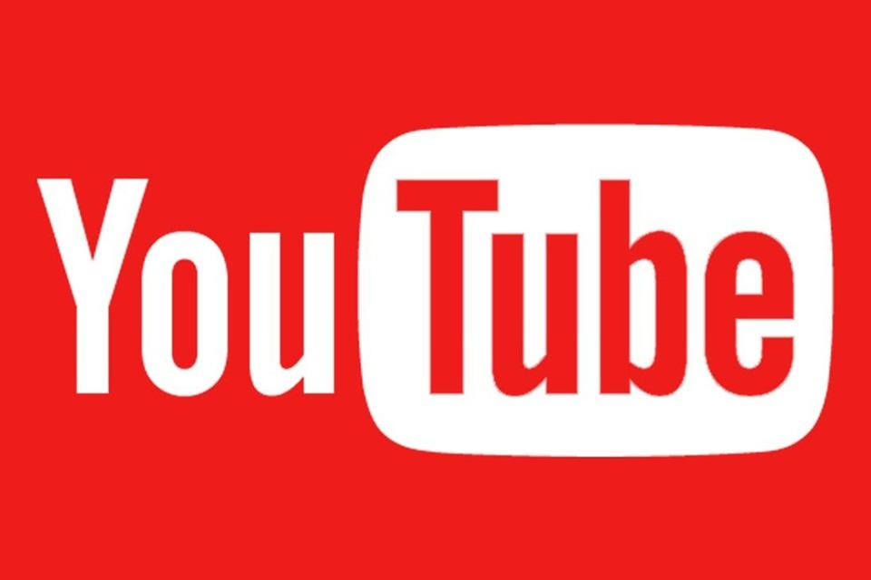 Jovens preferem youtubers a canais jornalísticos como fonte de informações