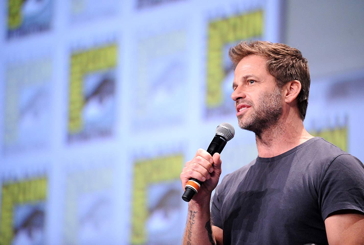 Zack Snyder mostrou sua versão de Liga da Justiça para Jason Momoa