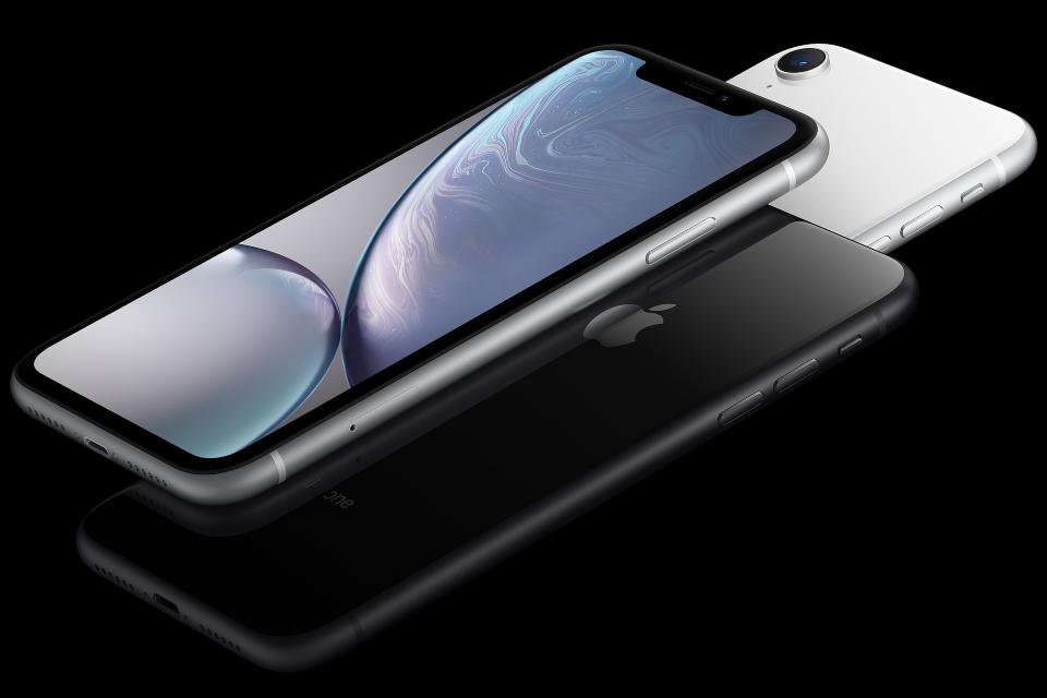 Nova geração de iPhone XR pode vir com entrada USB-C