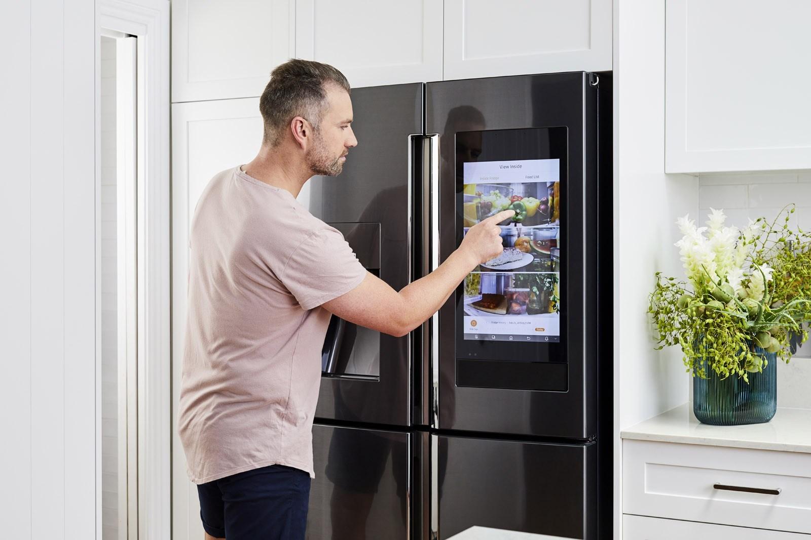 Samsung anuncia chegada da geladeira Family Hub ao Brasil