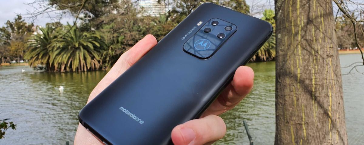 Imagem de: Tudo sobre o Motorola One Zoom; 4 câmeras de até 48 MP e zoom óptico de 3x