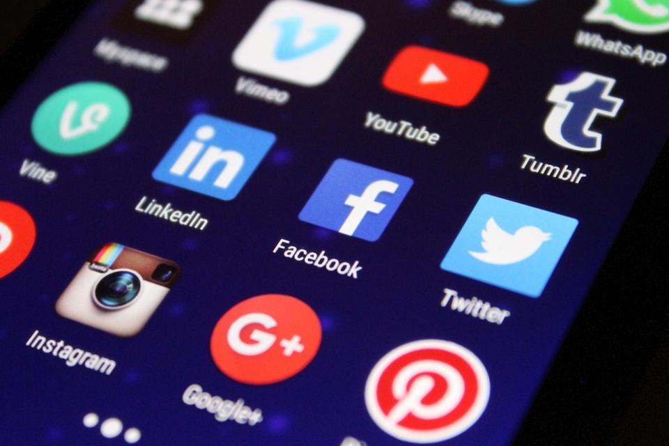 Twitter agora usa o Instagram para repostar tweets virais