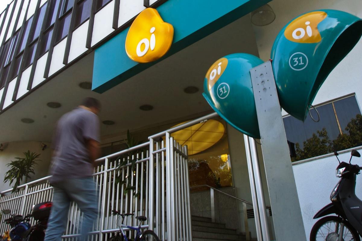 Convocada pela Anatel, Oi apresenta plano estratégico contra falência