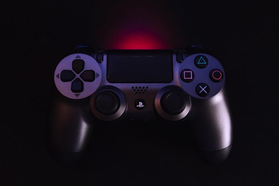Para a Sony, o 'X' do DualShock possui outro nome