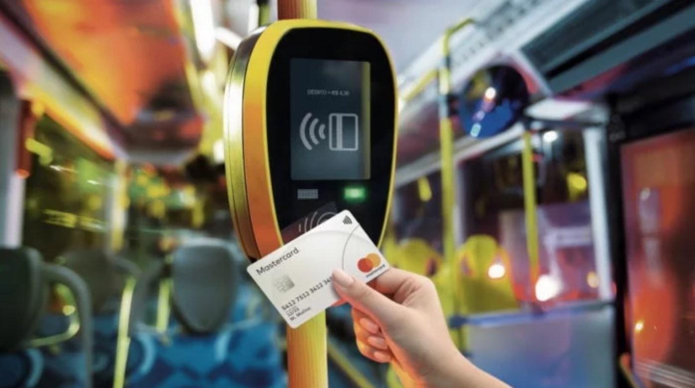 Transporte público de SP vai aceitar cartões de crédito por aproximação