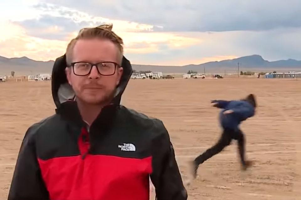 Homem é visto na Área 51 correndo como o Naruto