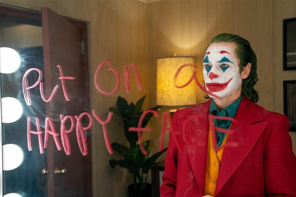 Coringa: Joaquin Phoenix insultou diretor de fotografia no set? [vídeo]