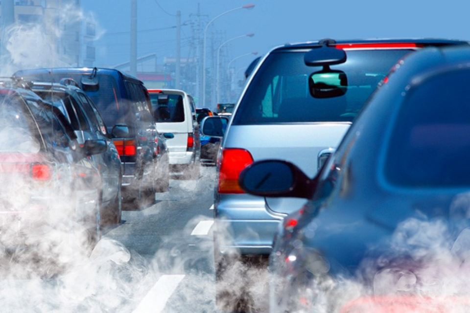 Só elétricos em 2060: Senado discute proibição de veículos a combustão