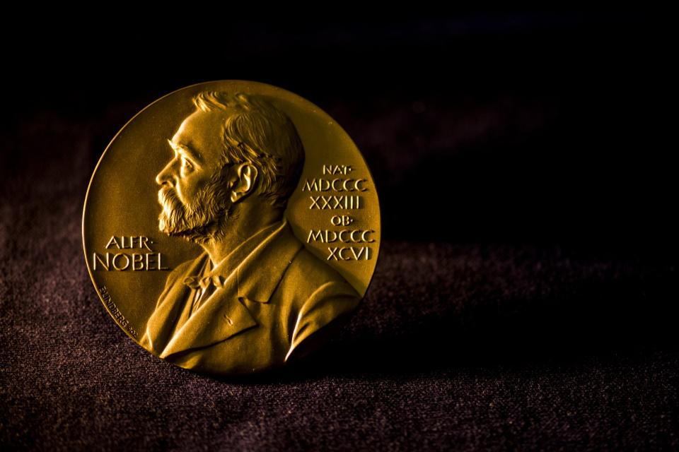Vencedor do Nobel de Física 2019 ajudou a explicar a 'evolução do Universo'