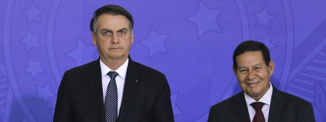 Anatel autoriza uso de bloqueador de celular perto do presidente Bolsonaro