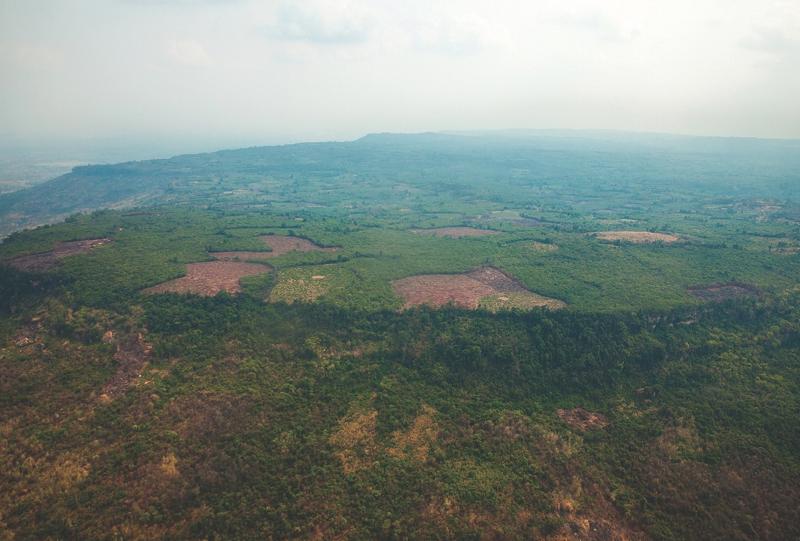 vista aérea da selva cambojana