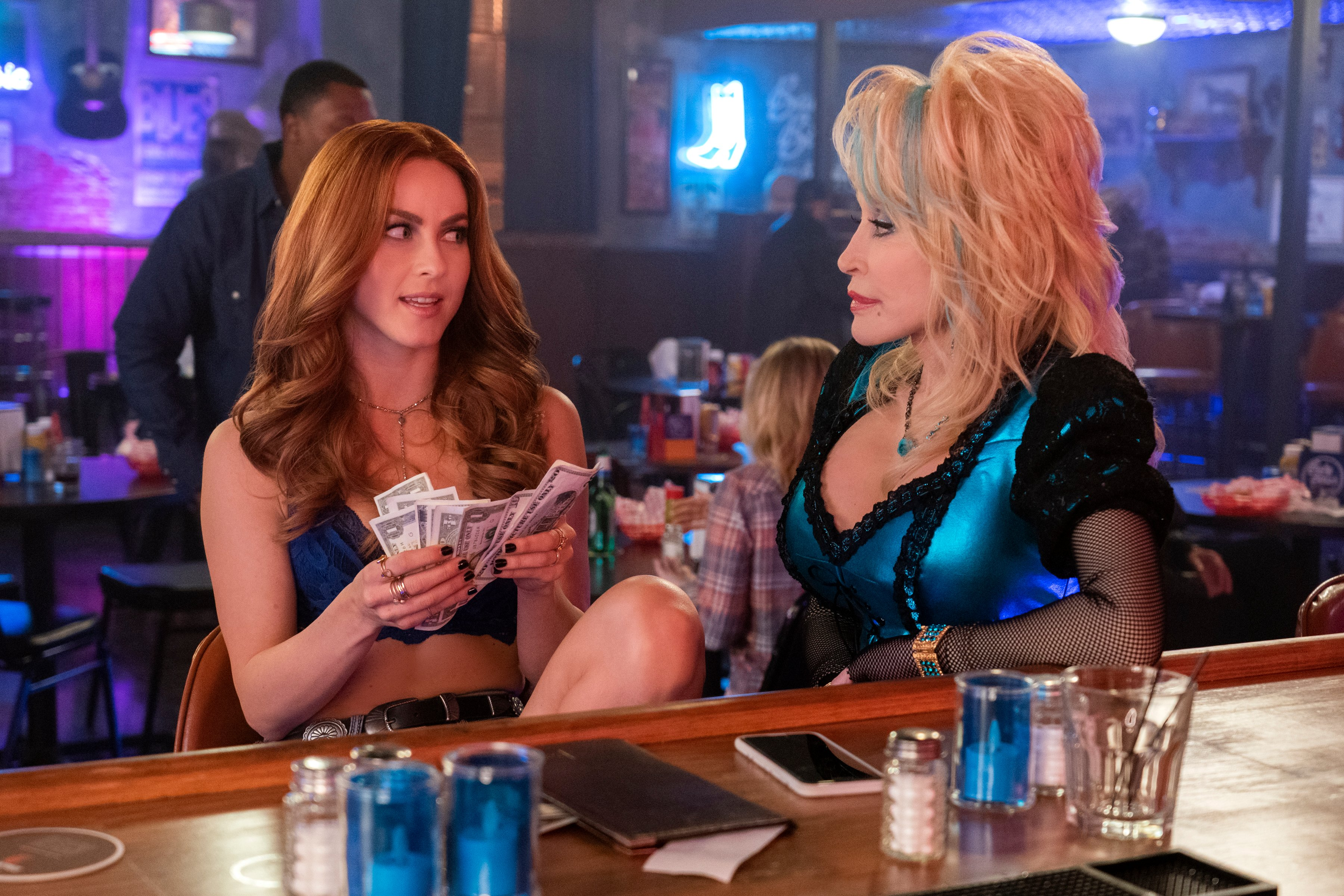 Resultado de imagem para Dolly Parton's Heartstrings: Netflix divulga as primeiras imagens da série