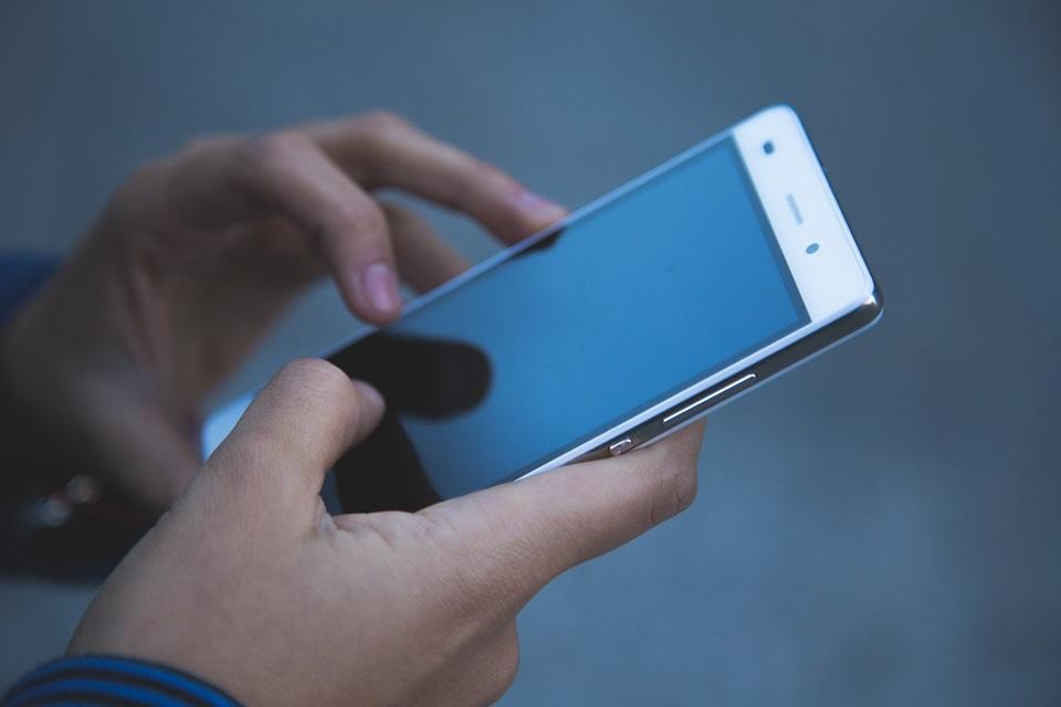 Venda de celulares cresce no mundo pela primeira vez em 2 anos